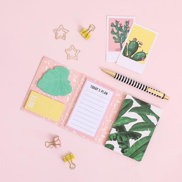 fun-accessories-sticky-notes